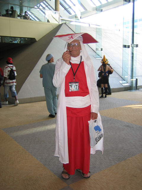 Awesome example of how to do age-appropriate cosplay.
